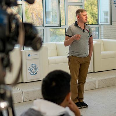 20-22 қазан аралығында «Berkut Media Group» продюсерлік орталығы «Телевизиялық шеберлік студиясын» таныстырды.